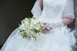 Magnifique robe de mariée effet plumes et ses accessoires - Occasion du Mariage