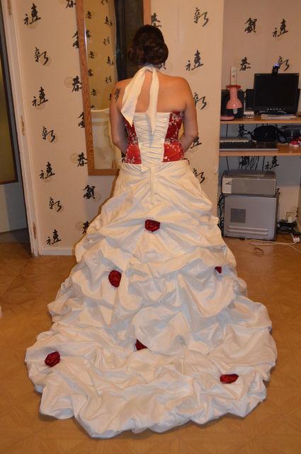 robe de mariée bordeaux et ivoire pas cher  Mariage