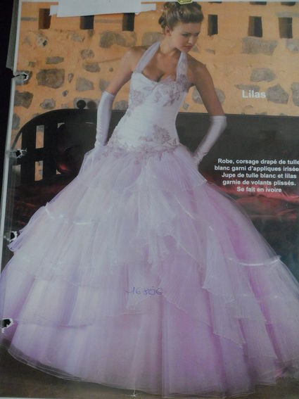 Robe de mariee blanc et lilas