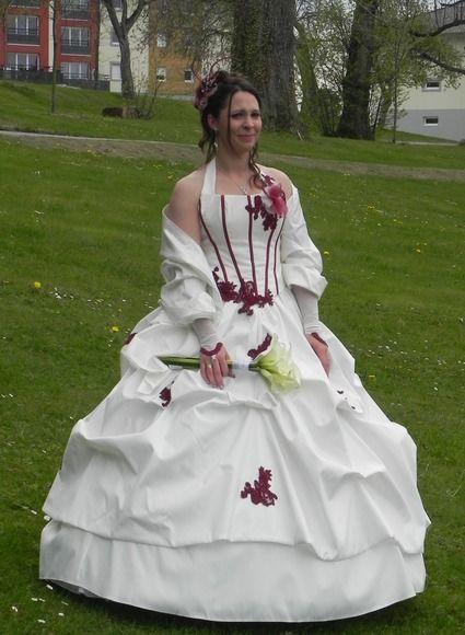 robe de mariée bustier florence ivoire et bordeaux, jupon froufrou