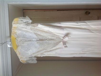 Annonces offres gratuites robes de mari e d 39 occasion et for Jenny packham robe de mariage de saule