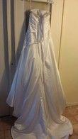 Robe de mariée couleur Blanche en Satin - Occasion du Mariage