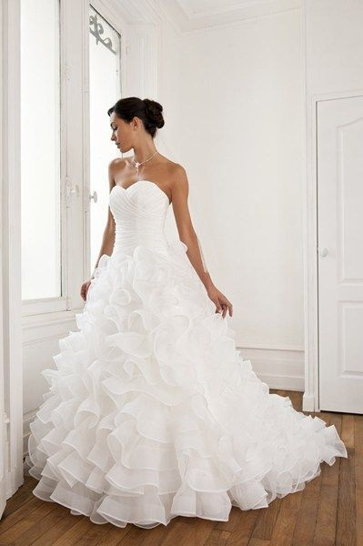 robe amida pour mariage d 39 occasion aisne. Black Bedroom Furniture Sets. Home Design Ideas