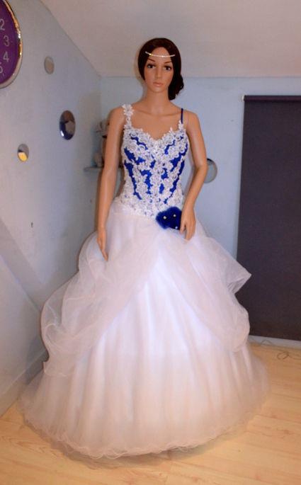 robe de mari e neuve bleu royale blanche pas cher paris occasion du mariage. Black Bedroom Furniture Sets. Home Design Ideas