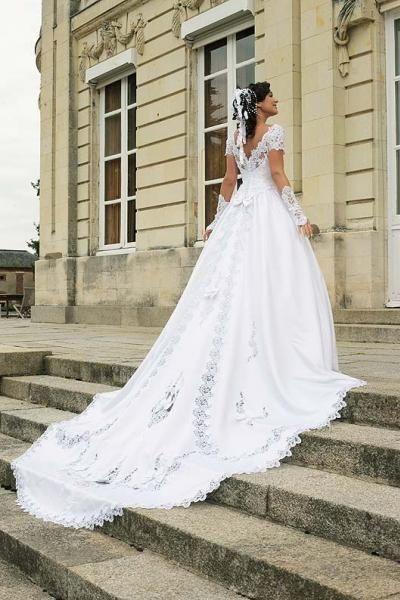 new authentic new high quality fashion styles Robe Mariée Princesse Blanche Longue Traine - Oise