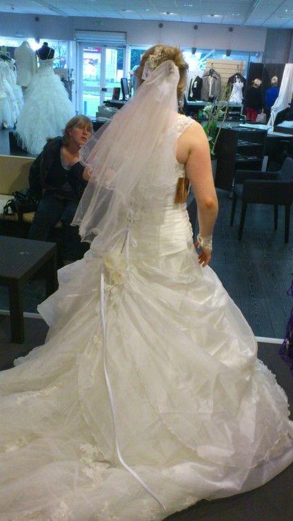 Robe de mariée+ jupon + mitaines + voile Morelle Mariage