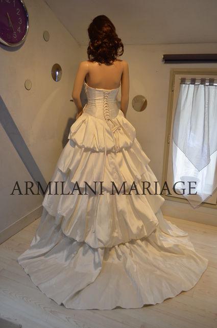 Robe de mari e en taffeta ivoire neuve avec petite tra ne for Petite occasion habille les mariages