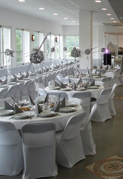 housse de chaise noeuds chandelier d co de mariage yvelines. Black Bedroom Furniture Sets. Home Design Ideas