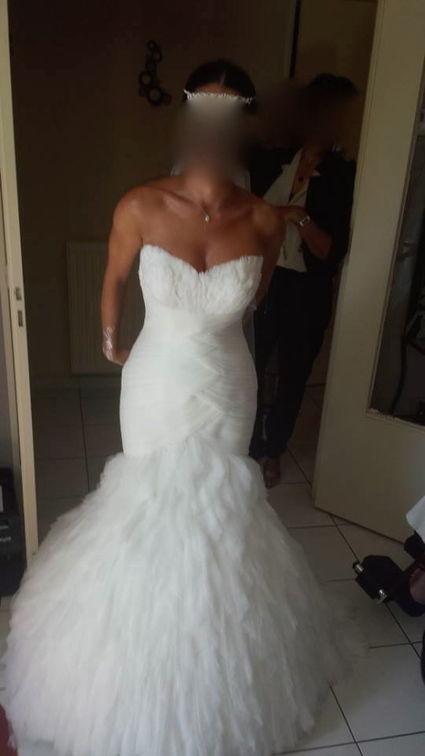Robe de mari e pronovias mod le uncia 2013 d 39 occasion le for Petite occasion habille les mariages