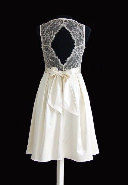 Robe de mariée courte, dos nu en dentelle - Hauts de Seine