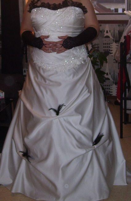 Voiture D Occasion >> Robe de mariée grande taille noire et blanche avec jupon ...