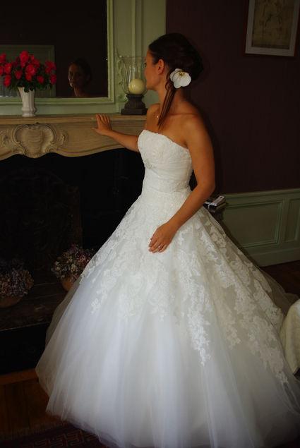 Robe de mari e romantique de cr ateur espagnol white one for Petite occasion habille les mariages