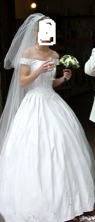 Robe de mariée pas cher comtesse Point mariage 2012 - Occasion du ...
