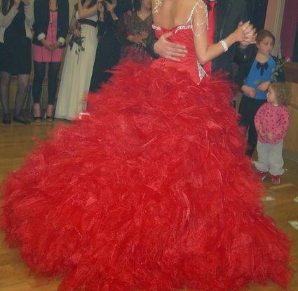 Robe Princesse Rouge Avec Bustier Ornee De Strass