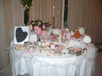 candy bar bar a bonbons occasion du mariage. Black Bedroom Furniture Sets. Home Design Ideas