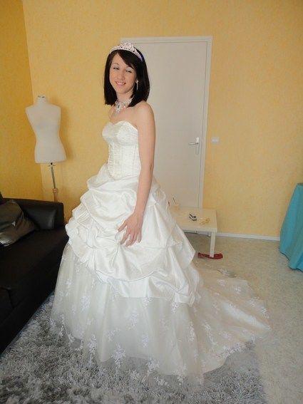 Robe de mariée pas cher ivoire en taffetas et dentelle 2012 ...