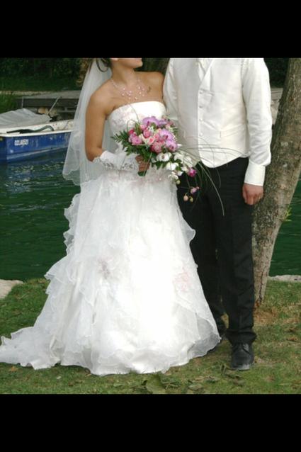 Magnifique robe de mariée et ses accessoires