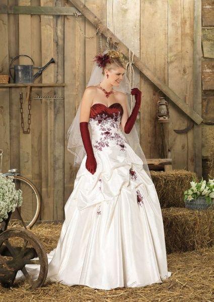 Robe de mariée ivoire bordeaux modèle mississipi de point mariage