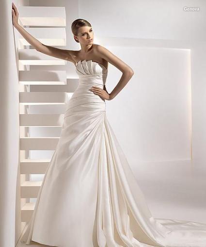 Robe de mariée Pronovias modèle intemporelle GENOVA d'occasion