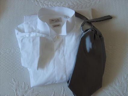 chemise blanche col cass cravali re grise loire haute. Black Bedroom Furniture Sets. Home Design Ideas