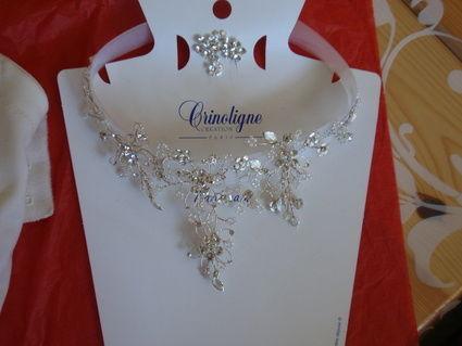 Robe de mariée d'occasion avec bijou et lingerie
