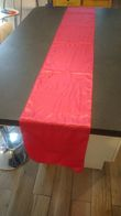 Noeuds de chause satin rose fushia + chemins de table - Occasion du Mariage