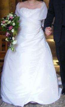 Robe de Mariée d'occasion T46  avec accessoires