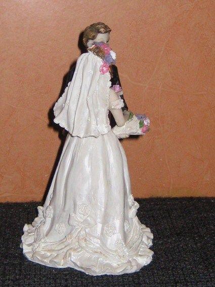 Cuple de mariés en résine en déco de mariage
