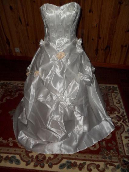 Robe de mariée pas chère à la Réunion 2012 - Occasion du mariage
