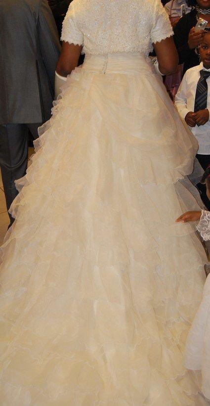 Robe de mariée grande taille et pas cher- Occasion du mariage