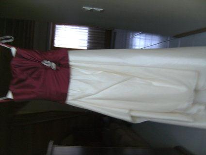 Robe de mariée avec voile et gants jamais portée en 2012 - Occasion du Mariage