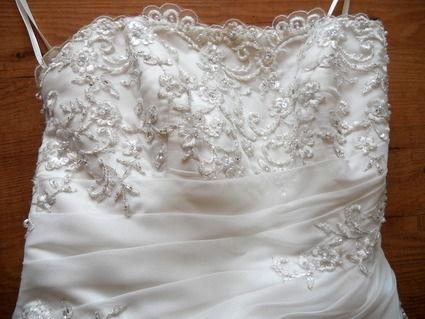 Robe de mariée fourreau avec jupon et bustier pas cher - Occasion du Mariage