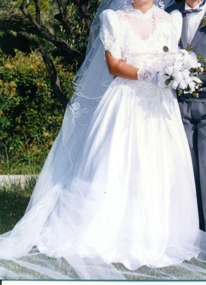 Robe de mariée pas cher avec accessoires 2012 - Occasion du Mariage