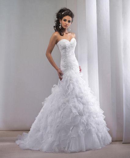 superbe robe de mari e collection empire du mariage 2013. Black Bedroom Furniture Sets. Home Design Ideas