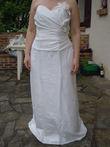 Robe de mariée droite de chez Point Mariage en taffetas