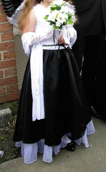 Robe de cérémonie de fille taille 8 ans noire et blanche