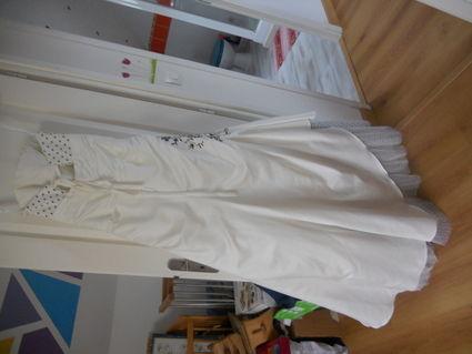 Robe de mariage Pronuptia neuve avec jupon, voile, bijoux