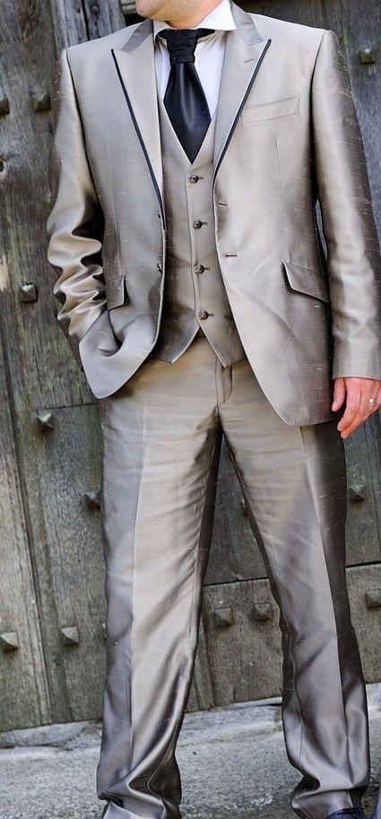 Costume marié en soie complet couleur taupe marque Camilliano