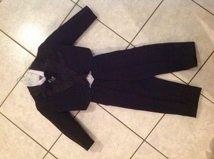 Costume noir queue de pie taille 2ans à l'occasion du Mariage