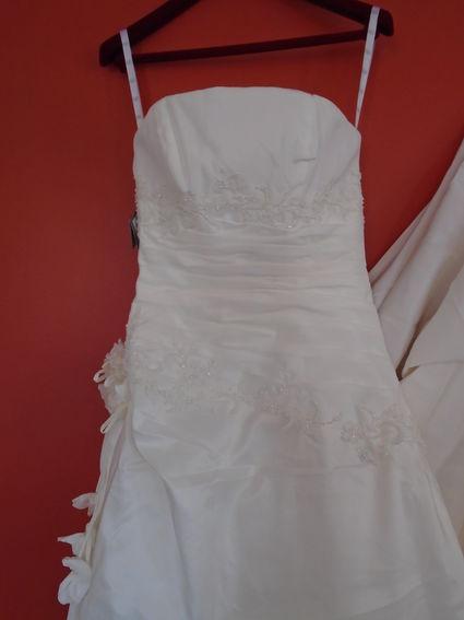 Robe de mariée avec accessoire - Paris