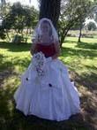 Robe de mariée neuve avec gants, chapeau, voile et bouquet - Occasion du Mariage
