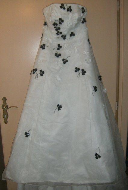 Robe de mariée d'occasion avec traîne et chaussures