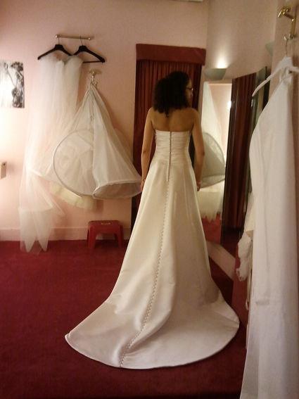 robe de mari e juliette simple et l gante d 39 occasion. Black Bedroom Furniture Sets. Home Design Ideas