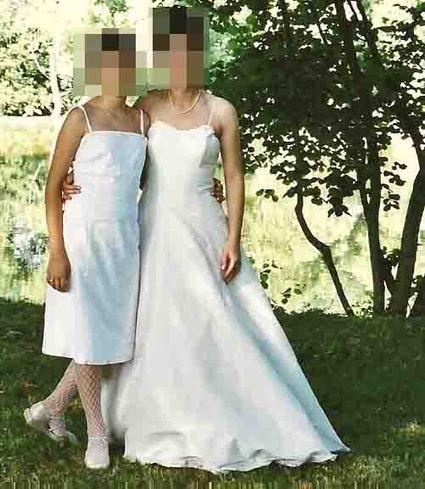 Robe de mariée en soie couleur ivoire, type bustier avec lacets dans le dos