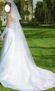 Robe de mariée blanche avec jupon et 2 voiles d'occasion