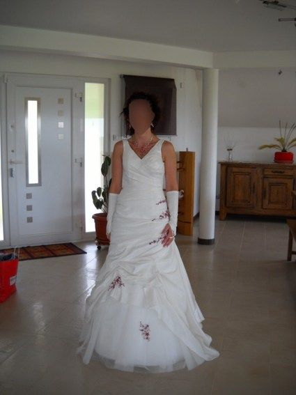 Robe de mariée Tiffany Mariée 2010 - modèle unique pas cher d'occasion - Alsace - Rhin (Bas) - Occasion du Mariage