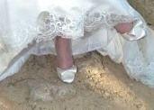 Chaussures de mariée satin ivoires T 38 très originale