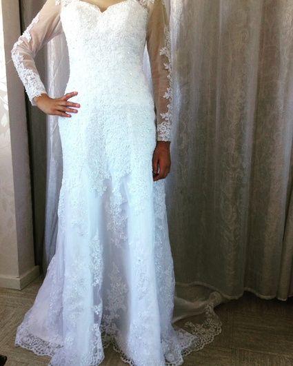 Robe de mariée neuve en dentelle perlée à Aix en provence