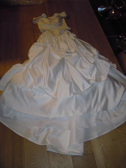 Robe de mariée en deux partie (bustier et jupe longue) en occasion