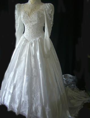 Robe de mariée Complicité Lafête originale et d'occasion en 2012